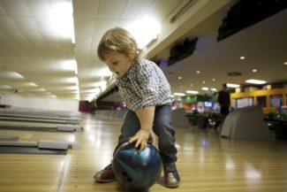 Gratis Bowling För Barn